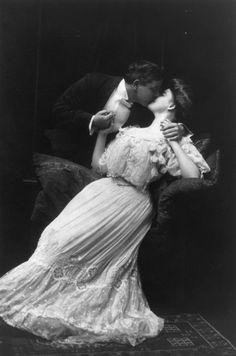 Ardente beijo - Vintage.