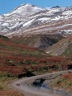 Dempster Highway, Yukon/Northwest Territories - The Dempster Highway connects the Klondike Highway in the Yukon Territory of Canada to Inuvik, Northwest Territories on the Mackenzie River delta. During the winter, the highway extends another 194 kilometr Yukon Canada, O Canada, Mackenzie River, God Save The Queen, Yukon Territory, Canadian Travel, Northwest Territories, Arctic Circle, Countries Of The World