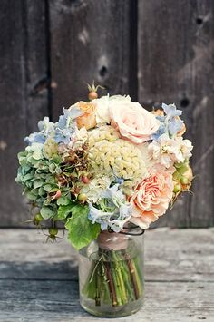 Bridesmaids bouquet  - pic by Simmone von Sydney