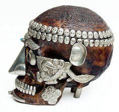 tribal skull Tibetan Bowls, Real Human Skull, Dry Bones, Shape Of You, Skull And Bones, Memento Mori, Skull Art, Macabre, Cabinet Of Curiosities
