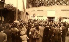 1960..El Templo del Deporte y la Cultura...Jorge Luis Borges izando la bandera en el Viejo Gasometro.! San Lorenzo ejemplo para la sociedad