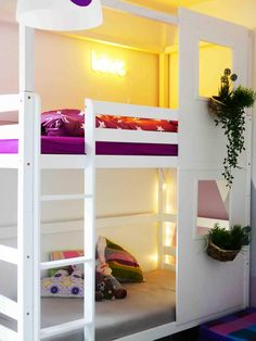 A house bed for siblings: We turn a bunk bed into a house - casa : little ones - Kinderzimmer Mydal Ikea, Cama Ikea, Kid Beds, Bunk Beds, Bedroom Themes, Bedroom Decor, Bedroom Ideas, Coastal Master Bedroom, Bedroom Door Design