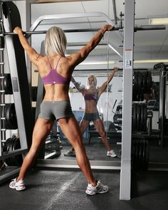 Louise Rogers glutes, delts