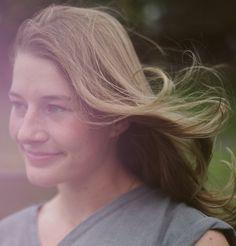 Claire Portrait: Che
