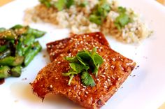 Happy Meatless Monday!  Here's a great recipe for Caramelized Tofu with Asparagus!