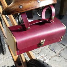 Sac Minimum Damien Béal  www.laboutiquedamienbeal.com  #damienbeal #sac #bois #cuir #madeinfrance #création #artisanat  #jamaissansmondamienbeal #versailles #bagfashion #bag #wood #leather #fashion #craft #creation #handcraft #lifestyle #frenchstyle #handmade #handmadebag #casual #smart #trendy #france #leathercraft #maroquinerie #picoftheday