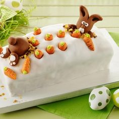 Carrot marble cake with fondant raspberries Glamorous box cake for Easter. Carrot marble cake with fondant raspberries Glamorous box cake for Easter. Marble Cake, Easter Cookies, Easter Treats, Easter Cake, Easter Bunny, Bunny Bunny, Bunnies, Fondant Cakes, Cupcake Cakes