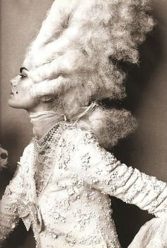 Fashion that Takes You Back - Rococo, Marie Antoinette Steven Meisel Steven Meisel, Marie Antoinette, Avant Garde Hair, High Fashion Photography, White Photography, Editorial Photography, Rococo Style, Robert Mapplethorpe, Richard Avedon