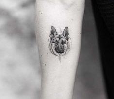 Italian minimalism by Alessandro Capozzi is part of German shepherd tattoo - Tattoo artist Alessandro Capozzi black authors minimalistic tattoo Roma, Italy Mini Tattoos, Trendy Tattoos, Cute Tattoos, Body Art Tattoos, Small Tattoos, Small Animal Tattoos, Tattoo Animal, Wolf Tattoos, Tatoos