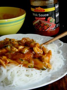 massa de arroz com peru agridoce