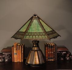 Fabulous Bradley & Hubbard Arts & Crafts Slag Glass Lamp w/ Pod Base