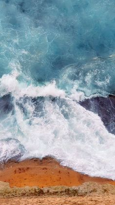 wallpaper art Lapping waves at a castle wall in Naples, Italy. Iphone Wallpaper Video, Waves Wallpaper, Phone Screen Wallpaper, Apple Wallpaper, Galaxy Wallpaper, Cellphone Wallpaper, Mobile Wallpaper, Wallpaper Backgrounds, Wallpaper Art
