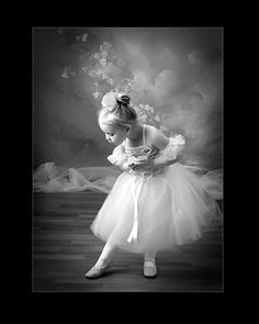 CHILDREN and BALLET | the YOUNG ballerina | tutus | re-pinned by http://www.cupkes.com/
