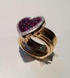 pulseira e anel coração cravejado com rubi ouro 18k