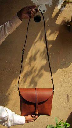 Gingerbread Little Stella, Chiaroscuro, India, Pure Leather, Handbag, Bag, Workshop Made, Leather, Bags, Handmade, Artisanal, Leather Work, Leather Workshop, Fashion, Women's Fashion, Women's Accessories, Accessories, Handcrafted, Made In India, Chiaroscuro Bags - 2