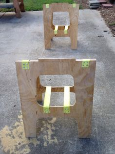 """Half """"Saw Horse"""" support for using just half of the Paulk Workbench http://the2cargarageshop.blogspot.com"""