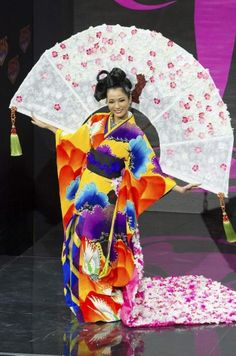Miss Universe Pageant country costumes - Japan