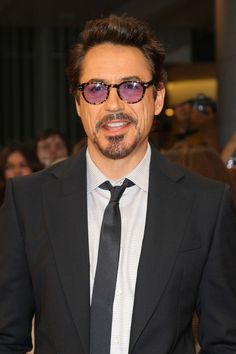 Robert Downey Jr. - Stars at the 'Avengers' Premiere in London