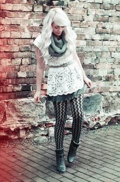 yay for patterned tights White Blonde Hair, Cool Blonde, Mode Pop, Lace Tights, Patterned Tights, Dressed To Kill, Hair Today, Pretty Hairstyles, Her Hair