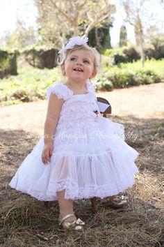 Ropa de bebé niña vestido blanco vestido por GigglesandWigglesBtq