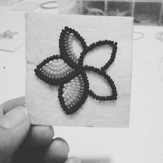 Working on my first floral earrings Took me a long time to figure out what type . - Working on my first floral earrings Took me a long time to figure out what type of flower I wanted - Native Beading Patterns, Beadwork Designs, Native Beadwork, Seed Bead Patterns, Bead Embroidery Jewelry, Beaded Jewelry Patterns, Motifs Perler, Bead Sewing, Beaded Crafts