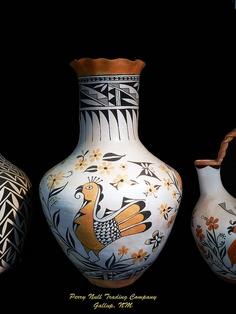 5 Positive Tips AND Tricks: Geometric Vases Wedding greek vases bronze age. Native American Artwork, Native American Pottery, American Indian Art, Pottery Vase, Ceramic Pottery, Southwest Pottery, Vase Design, Pueblo Pottery, Black Vase
