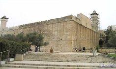 الاحتلال يمنع رفع الأذان في المسجد الإبراهيمي…: منعت قوات الاحتلال الإسرائيلي رفع الأذان في المسجد الابراهيمي 44 وقتا، خلال شهر حزيران…