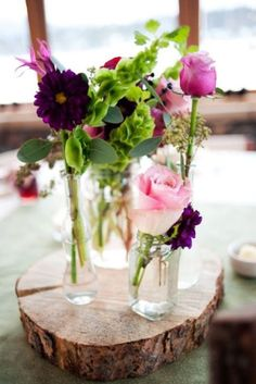 Flowers on #Wood Slabs:  You can glue these to the wood if it's an outdoor wedding--makes it work great!