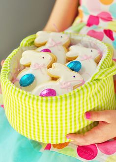 cute decorated easter bunny cookies by sweetapolita