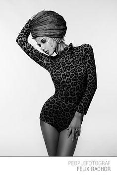 #brauty #glamour #glossy #skin #eyes #mouth #lipstick #glamurous #potrait #portraits #sexy #woman #colour #studio #starphotographer #photo #germany #fashion #phaseone