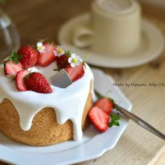 Hospitality by one person chiffon – Cake Types Dessert Decoration, My Dessert, Mini Desserts, Sweet Desserts, Sweets Recipes, Cake Recipes, Cupcake Decorating Tips, Cake Cafe, Special Birthday Cakes