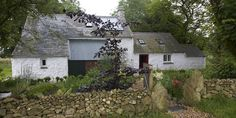 Bryn Eglur is ideal for anyone who wants to return to a vision of rural simplicity and rustic charm.