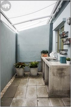 Balcony Bar Design Ideas For Your Lovely Home/Apartment Balc. Balcony Bar Design Ideas For Your Lovely Home/Apartment Balc… Loft Kitchen, Backyard Kitchen, Home Decor Kitchen, Kitchen Interior, Kitchen Soffit, Kitchen Walls, Dirty Kitchen Design, Outdoor Kitchen Design, Dirty Kitchen Ideas