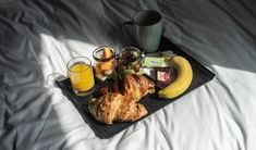 A Weekend in Shoreditch with Point a. Oreo Milkshake, Hotel Breakfast, Continental Breakfast, Liverpool Street, Styling A Buffet, Chicken And Waffles, London Hotels, Food, Essen