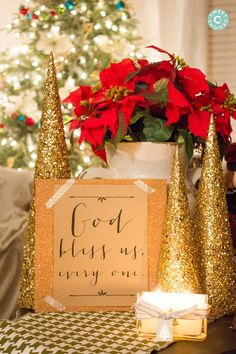 God Bless Us Everyone Printable and 23 gorgeous christmas printables paired with amazing vignettes!