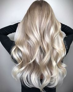 The Bright Side Gorgeous blonde balayage hairstyles. Balayage hair blonde with beautiful blonde stra Baby Blonde Hair, Brown Blonde Hair, White Blonde, Guy Tang Blonde, Blonde Wig, Brunette Hair, Blonde Fall Hair Color, Blonde Hair Goals, Curled Blonde Hair