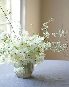 Peaceful Sunday #annalisastyleflowers #flower #sunday #sundayvibes #flowerstagram #flowersofinstagram #flowergram #sundayflowers #white
