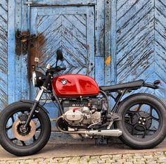 BMW caferacer by @hortal40