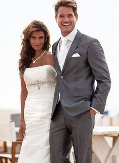 Dit trouwpak voor de bruidegom is verkrijgbaar in de Honeymoon menshop.