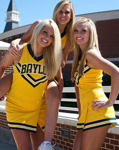 Cheer Outfits, Girly Outfits, Cute Casual Outfits, Cheer Team Pictures, Cheerleading Pictures, College Cheerleading, Football Cheerleaders, Football Fans, Professional Cheerleaders