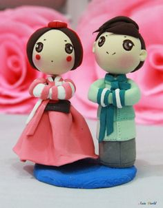 Wedding cake topper Hanbok Korean traditional wedding clay doll, engagement clay figurine decoration, ring holder clay figurine, clay couple...