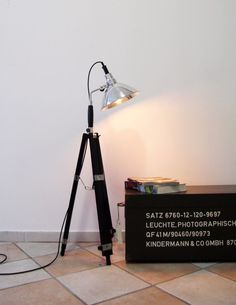 New Tripod Steh Foto Studio Lampe Holz Stativ Vintage Leuchte Dreibein Retro neun in M bel u Wohnen