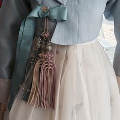 여름이니, 시원한 느낌으로. . . . #무이한복 #신부한복 #본식한복 #웨딩 #디자인 #결혼한복 #seoul #koreandress #clothes #weddings #웨딩한복 #한복드레스 #한복 #한복대여 #한복스냅 #결혼 #드레스 #clothing #고급한복 #고급한복대여 #한복드레스 #혼주한복 #웨딩한복 #hanbok Korean Traditional Clothes, Traditional Fashion, Traditional Dresses, Korean Dress, Korean Outfits, Modern Hanbok, Oriental Dress, Korean Design, Fashion Details