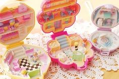 Oh the good old days .. when #PollyPocket was so small she could fall through a hole in your pocket -- now she's about 200x bigger. #90s #toys #girls