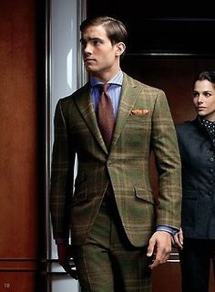 An olive plaid blazer and olive plaid dress pants are essential in any guy's wardrobe. Gentleman Mode, Gentleman Style, English Gentleman, Dress Shirt And Tie, Suit And Tie, Blazer Dress, Plaid Dress, Striped Dress, Dress Pants