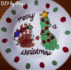 #holiday #christmas #plate #craft #kids #handprint #footprint #diy #christmas #gift