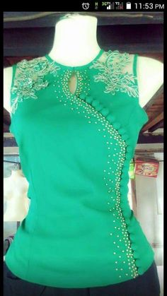 Pretty Green blouse with lace trim & side buttons Blouse And Skirt, Dress Skirt, Green Blouse, Mode Inspiration, Traditional Dresses, Dress Patterns, Blouse Designs, Designer Dresses, Ideias Fashion