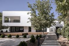 Stroller House located in Haftsangan, Qazvin. The villa designed and constructed by Negin Shahr Ayandeh consultants (NESHA). Contemporary Architecture, Interior Architecture, Green Terrace, Small Entrance, Modern Villa Design, Permanent Residence, New View, Maine House, House Plans