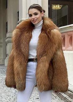 Afro Punk Fashion, Fur Fashion, Fashion Looks, Womens Fashion, Fox Fur Coat, Fur Coats, White Face Mask, Fluffy Coat, Fur Jackets