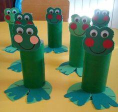 ▷ wunderbare Bastelideen für Kinder hier gesammelt with toilet paper-roll-and-cotton-frogs-of- Kids Crafts, Frog Crafts, Summer Crafts, Toddler Crafts, Preschool Crafts, Easy Crafts, Arts And Crafts, Autumn Crafts, Toilet Roll Art